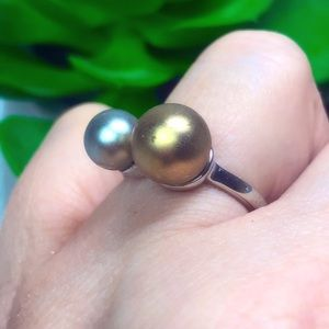 Faux Pearl Silver Tone size 7 Ring